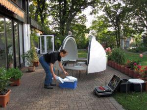 Vorbereitung Kuppelmontage auf Hausdach
