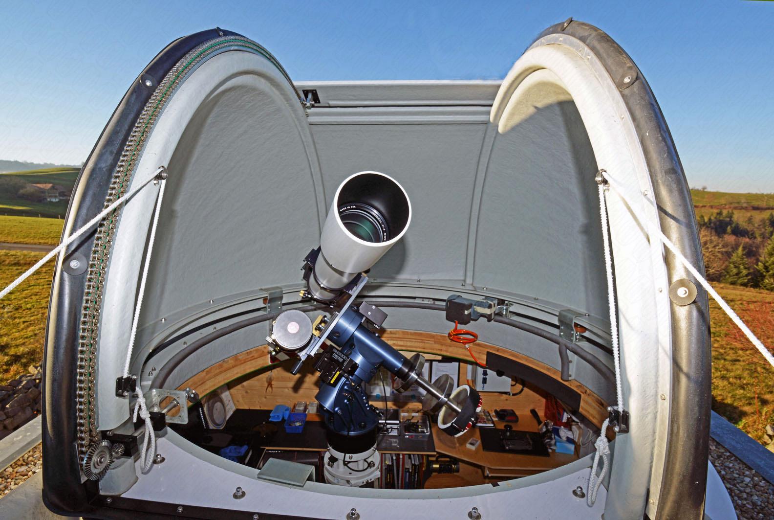 TEC APO 160 FL und Solarmax SM 90 DS in Baader Planetarium Kuppel