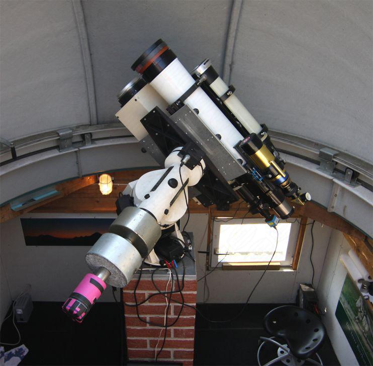 Teleskope auf parallaktischer Montierung in Baader Sternwartenkuppel