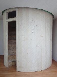 Eingang zur privaten Sternwarte im Wohnzimmer