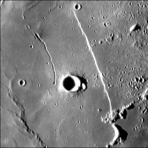 Aufnahme der gleichen Mondregion mit einer hochwertigen Videokamera bei exzellenten Seeingbedingungen
