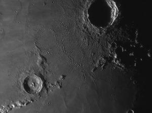 """Stadius, der """"versinkende Krater"""" zwischen Kopernikus und Erathostenes."""