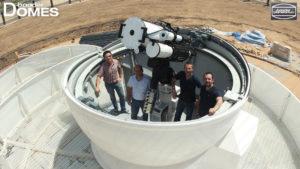 Fertigstellung der Baader Sternwartenkuppel mit Instrumentarium bei Dubai