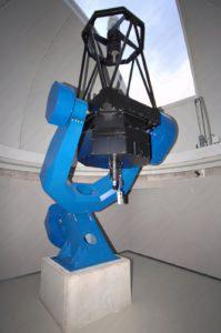 Kuppel mit Teleskop