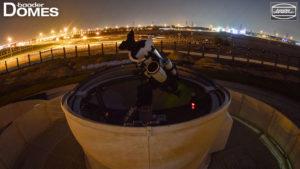 Sanddichte Sternwartenkuppel im Sharjah Astro Center bei Dubai