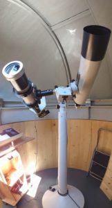 APQ Refraktor Teleskope auf Montierung in Sternwarte
