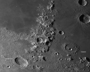 Cassini und der nördliche Teil des Kaukasus Gebirges , © 2019 by W. Paech+F. Hofmann – Camäleon Observatory, Namibia