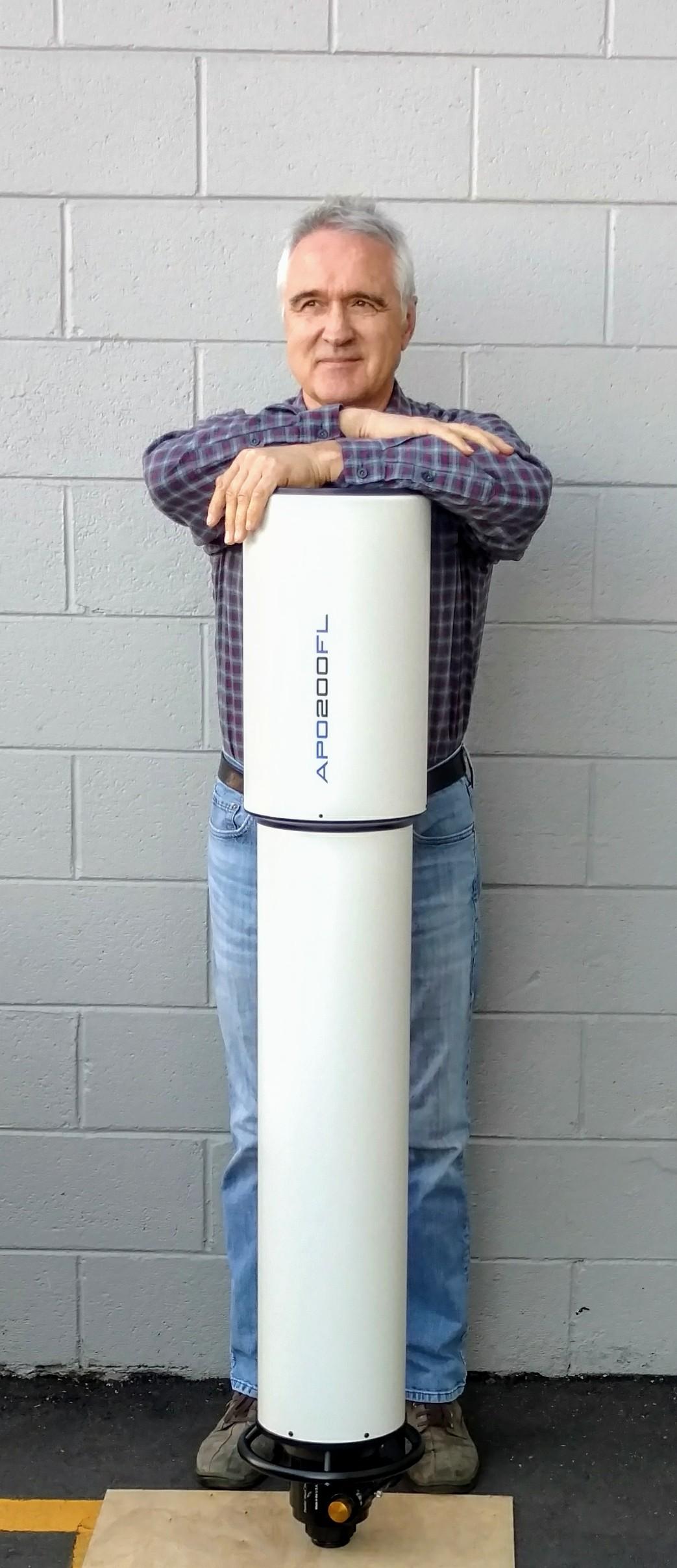 Yuri Petrunin (183 cm groß) mit einem TEC APO 200 FL