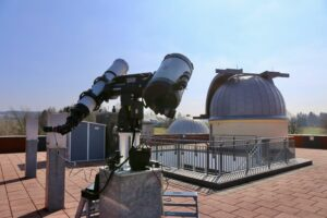 Neuinstrumentierung: Teleskope und Montierung für Sternwarte Rodewisch